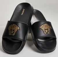 Bath slippers with skull in gold