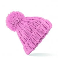 Knitted hat with thick yarn pink