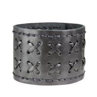 Leather bracelet with braided pattern