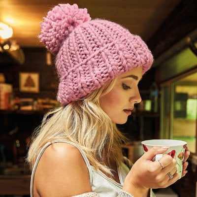 Knitted hat with thick yarn model